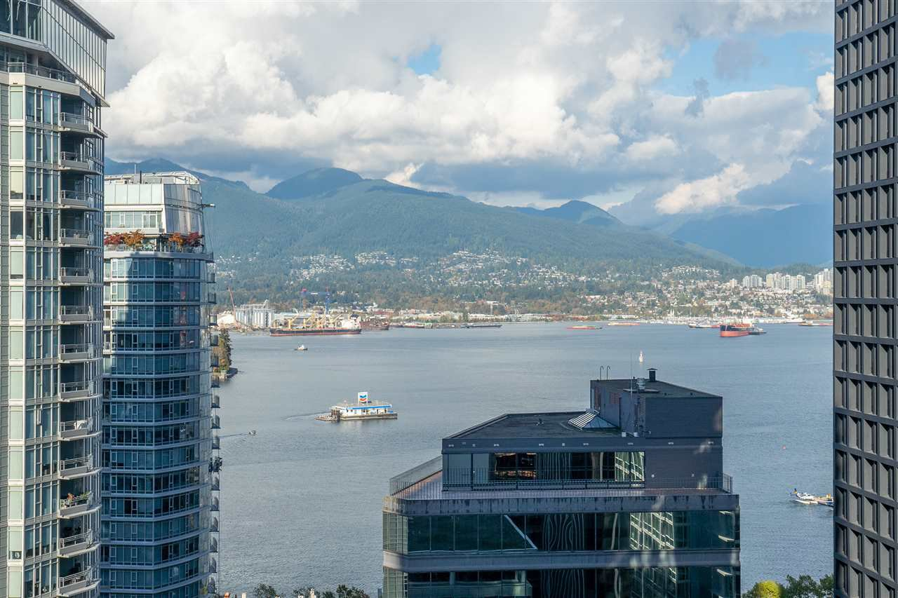 """Main Photo: 2203 1188 W PENDER Street in Vancouver: Coal Harbour Condo for sale in """"Sapphire"""" (Vancouver West)  : MLS®# R2526946"""
