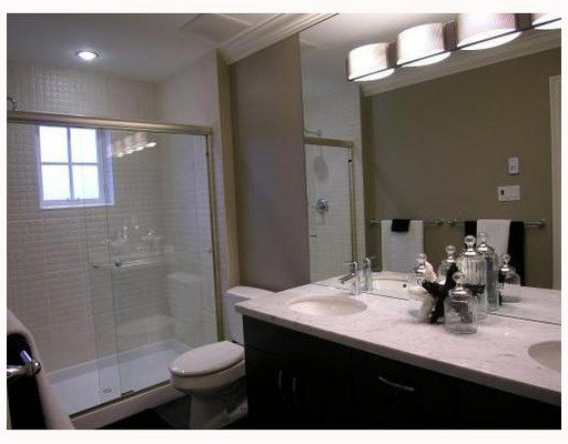 Photo 3: Photos: 2860 SPRUCE Street in Vancouver: Fairview VW Townhouse for sale (Vancouver West)  : MLS®# V707487