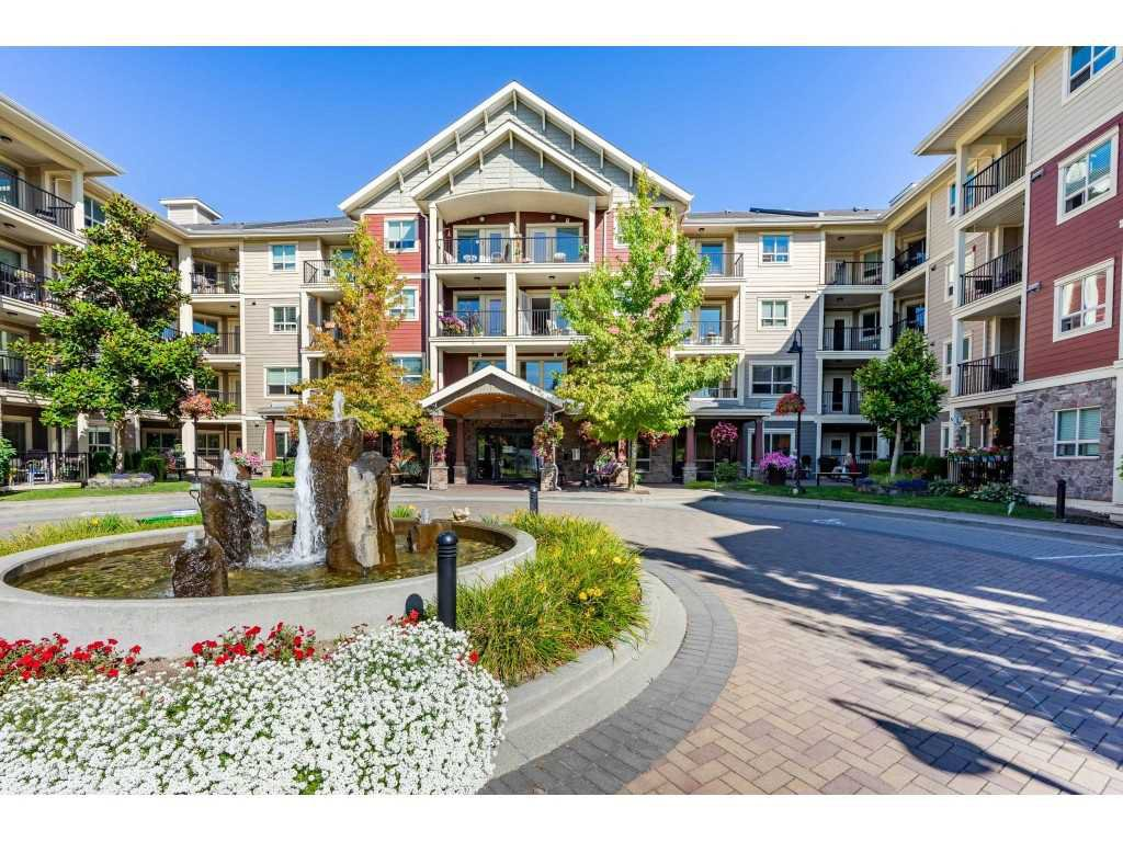 """Main Photo: 326 22323 48 Avenue in Langley: Murrayville Condo for sale in """"Avalon Gardens"""" : MLS®# R2501456"""