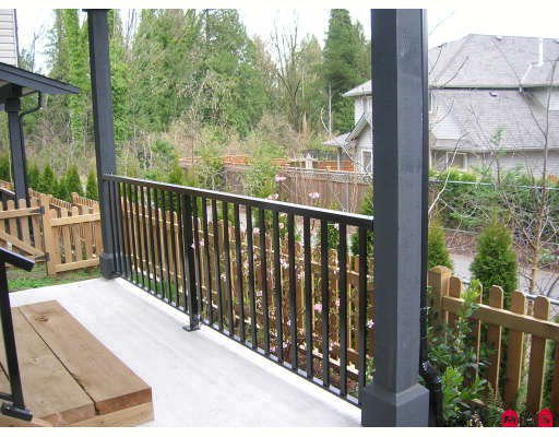 """Photo 9: Photos: 44 19932 70TH Avenue in Langley: Willoughby Heights Townhouse for sale in """"Summerwood"""" : MLS®# F2807024"""