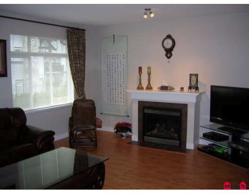 """Photo 3: Photos: 44 19932 70TH Avenue in Langley: Willoughby Heights Townhouse for sale in """"Summerwood"""" : MLS®# F2807024"""