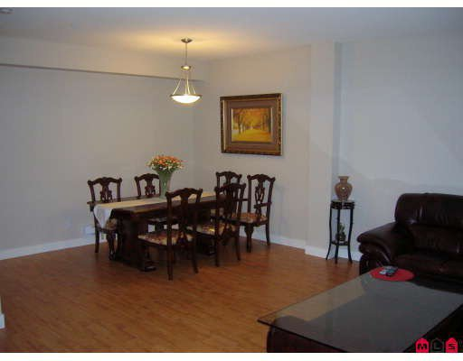 """Photo 5: Photos: 44 19932 70TH Avenue in Langley: Willoughby Heights Townhouse for sale in """"Summerwood"""" : MLS®# F2807024"""
