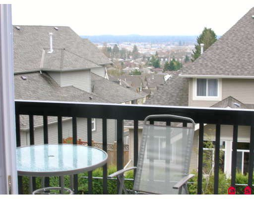 """Photo 7: Photos: 44 19932 70TH Avenue in Langley: Willoughby Heights Townhouse for sale in """"Summerwood"""" : MLS®# F2807024"""