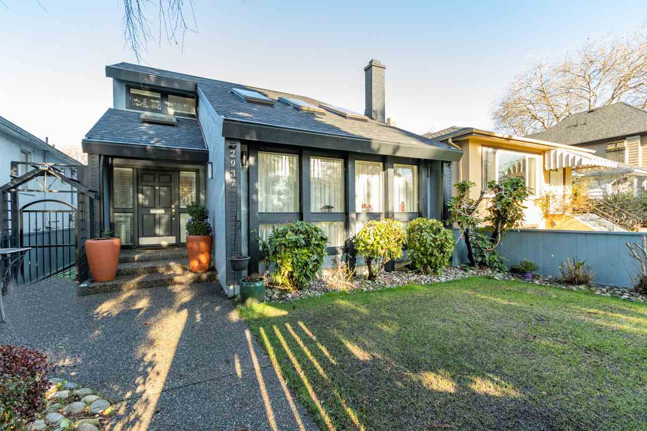 Main Photo: 2937 W 16TH Avenue in Vancouver: Kitsilano House for sale (Vancouver West)  : MLS®# R2421171
