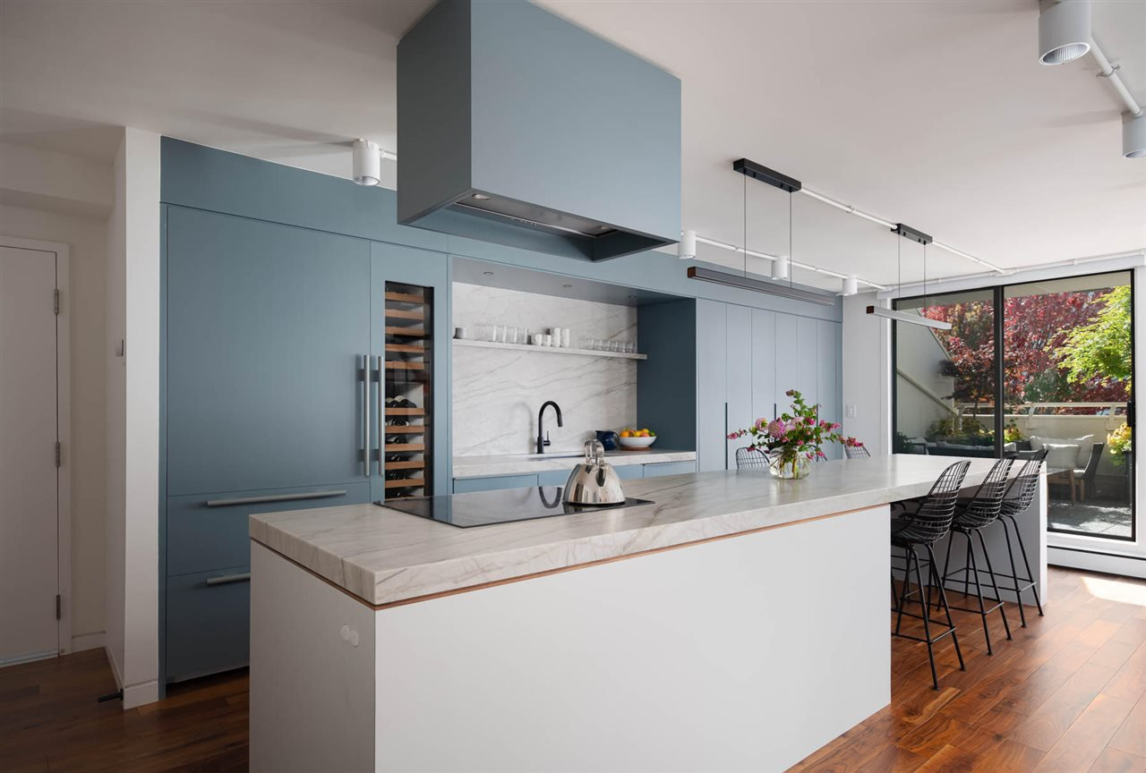 """Main Photo: PH2 1819 PENDRELL Street in Vancouver: West End VW Condo for sale in """"Pendrell Place"""" (Vancouver West)  : MLS®# R2431219"""