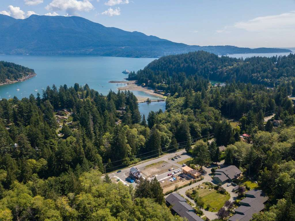 """Main Photo: LOT 10 FOXGLOVE LANE: Bowen Island Land for sale in """"Village by the Cove"""" : MLS®# R2505718"""