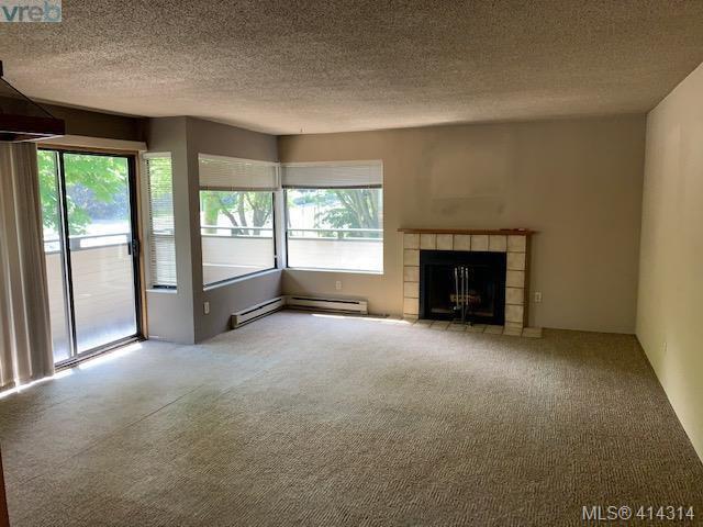 Main Photo: 403 3274 Glasgow Avenue in VICTORIA: SE Quadra Condo Apartment for sale (Saanich East)  : MLS®# 414314