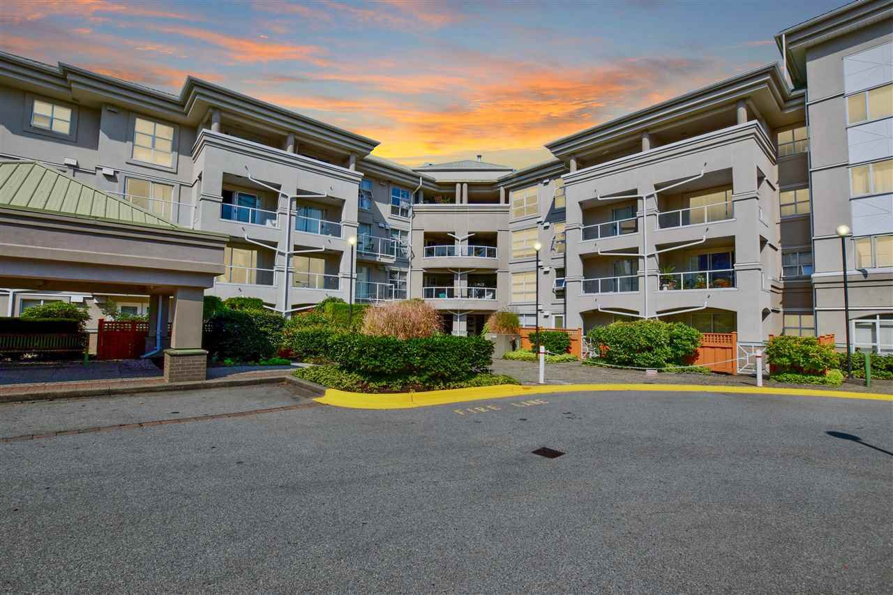 "Main Photo: 315 10533 UNIVERSITY Drive in Surrey: Whalley Condo for sale in ""THE PARKVIEW"" (North Surrey)  : MLS®# R2430183"