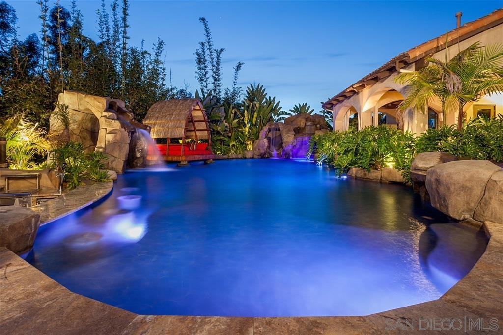 Main Photo: RANCHO SANTA FE House for rent : 5 bedrooms : 16210 Via Cazadero