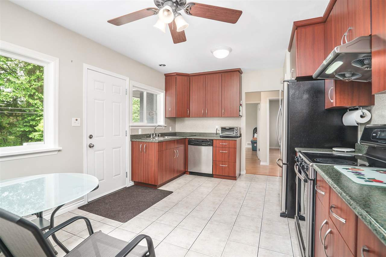 Photo 8: Photos: 4381 WILDWOOD CRESCENT in Burnaby: Garden Village House for sale (Burnaby South)  : MLS®# R2460804