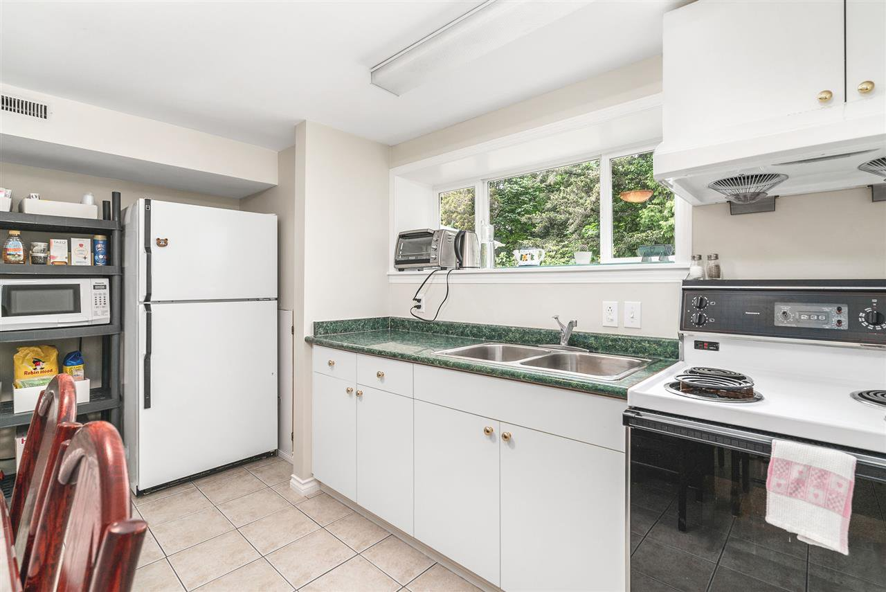 Photo 17: Photos: 4381 WILDWOOD CRESCENT in Burnaby: Garden Village House for sale (Burnaby South)  : MLS®# R2460804