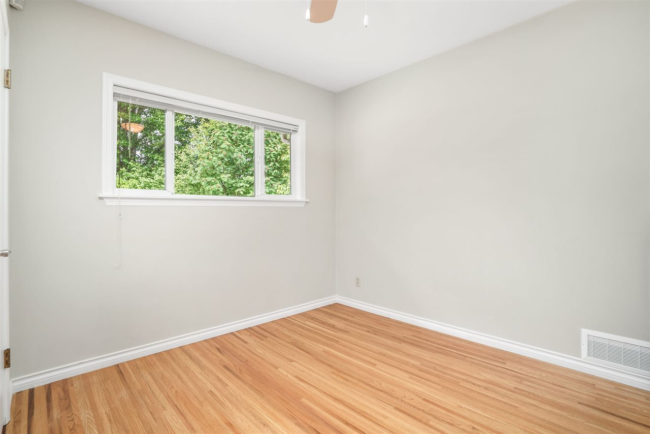 Photo 16: Photos: 4381 WILDWOOD CRESCENT in Burnaby: Garden Village House for sale (Burnaby South)  : MLS®# R2460804