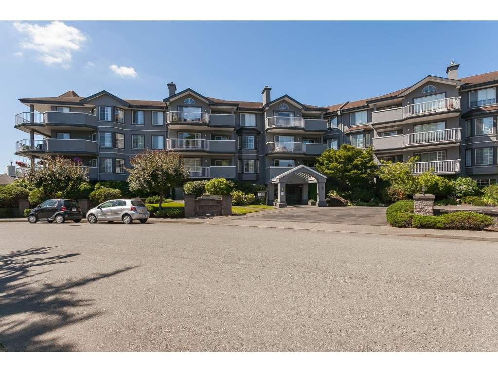 """Main Photo: 201 5375 205 Street in Langley: Langley City Condo for sale in """"Glenmont Park"""" : MLS®# R2482379"""