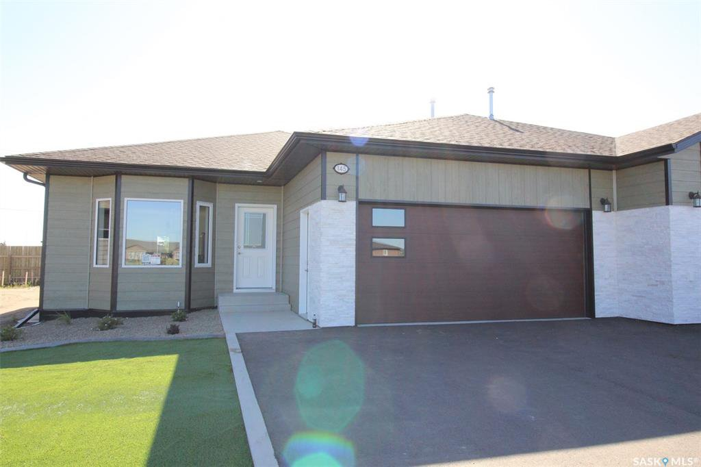 Main Photo: 145 Heritage Landing Crescent in Battleford: Residential for sale : MLS®# SK821005