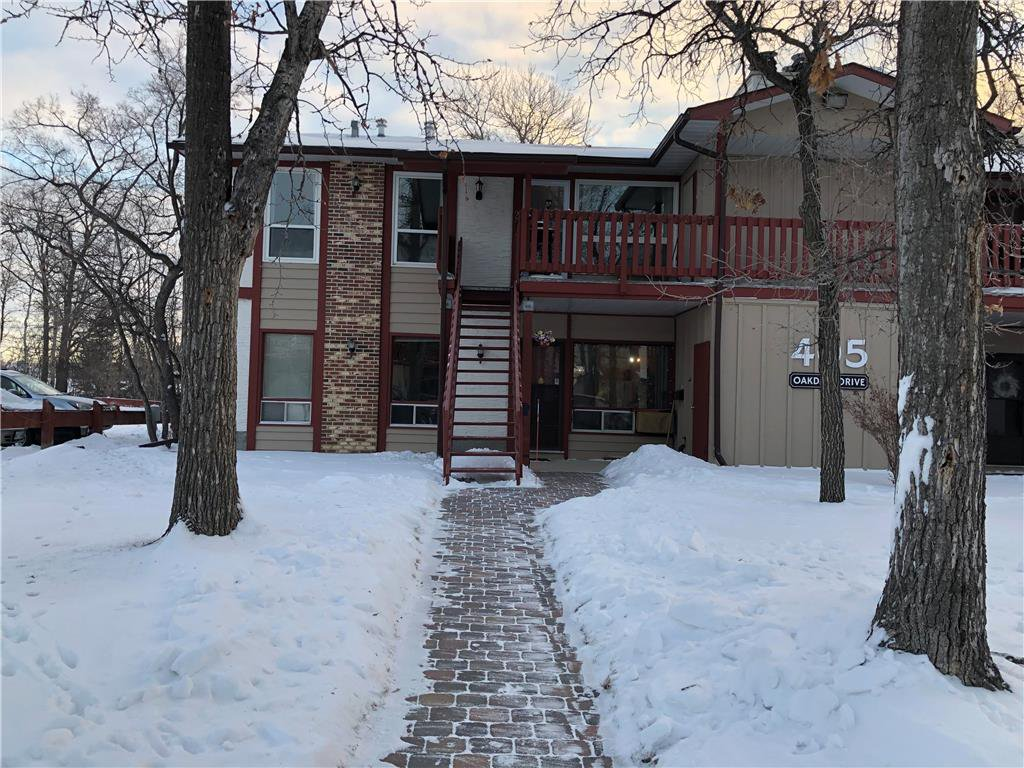 Main Photo: 2 405 Oakdale Drive West in Winnipeg: Charleswood Condominium for sale (1G)  : MLS®# 202100301