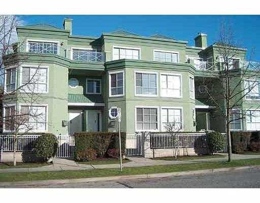"""Main Photo: 301 250 W 4TH AV in North Vancouver: Lower Lonsdale Condo for sale in """"HARBOUR MEWS"""" : MLS®# V558559"""
