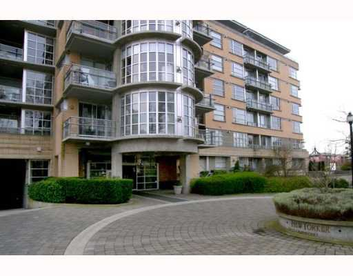 "Main Photo: 2655 CRANBERRY Drive in Vancouver: Kitsilano Condo for sale in ""NEW YORKER"" (Vancouver West)  : MLS®# V639593"