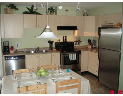"""Photo 4: Photos: 53 18883 65TH Avenue in Surrey: Clayton Townhouse for sale in """"Applewood"""" (Cloverdale)  : MLS®# F2803739"""