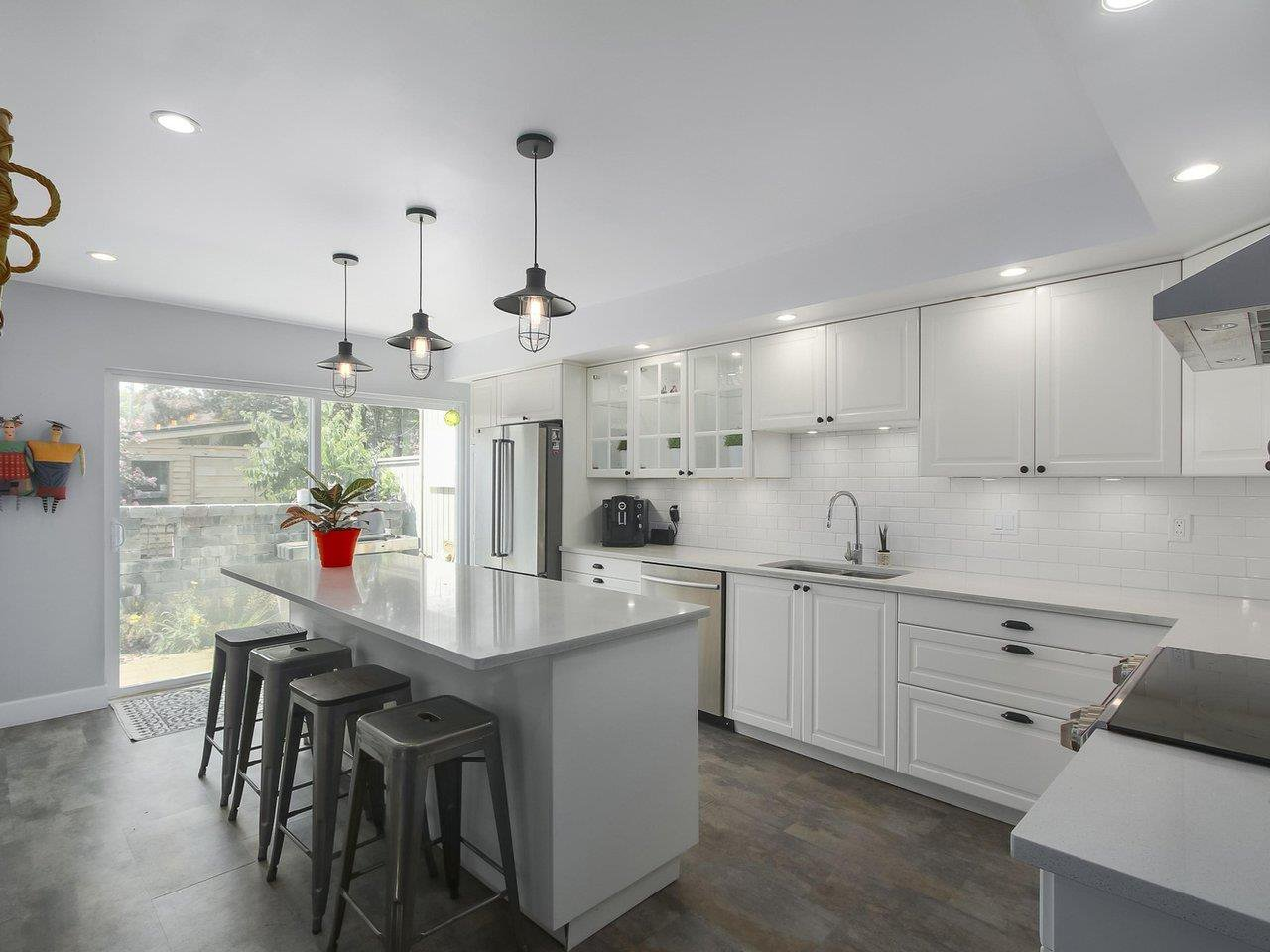 Photo 7: Photos: 4827 CENTRAL AVENUE in Delta: Hawthorne Townhouse for sale (Ladner)  : MLS®# R2391825