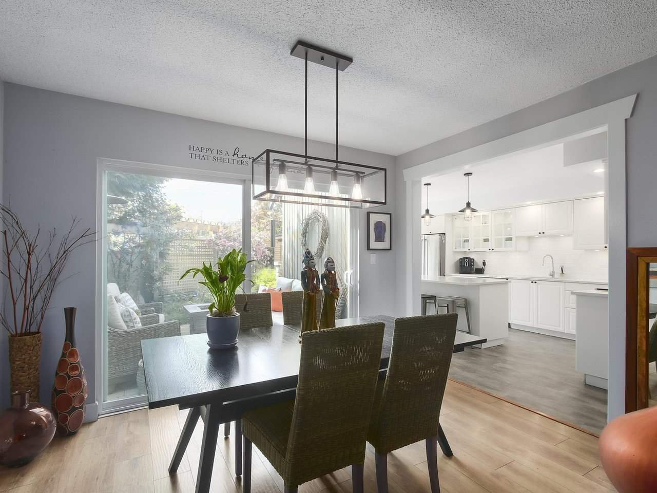 Photo 5: Photos: 4827 CENTRAL AVENUE in Delta: Hawthorne Townhouse for sale (Ladner)  : MLS®# R2391825