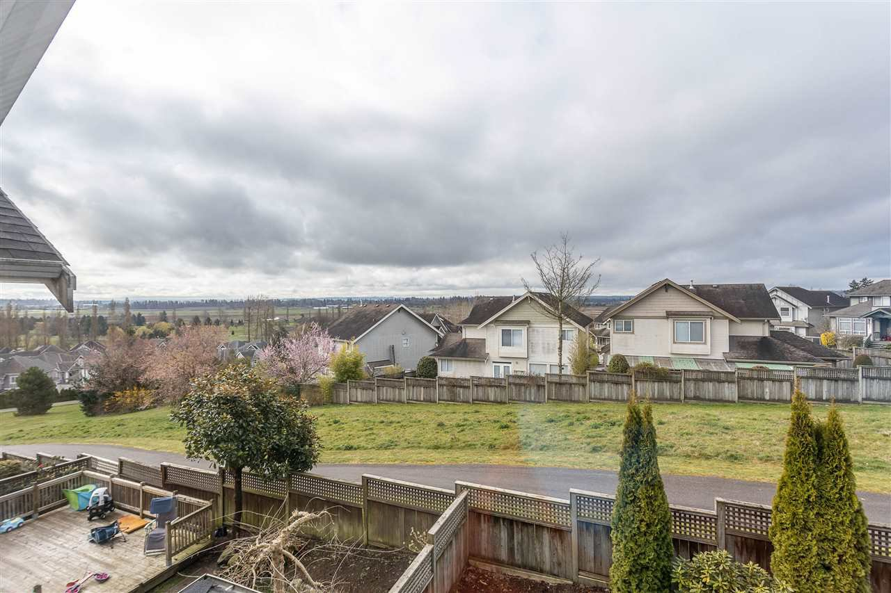 "Photo 19: Photos: 16886 78B Avenue in Surrey: Fleetwood Tynehead House for sale in ""Falcon Ridge Estates"" : MLS®# R2448796"