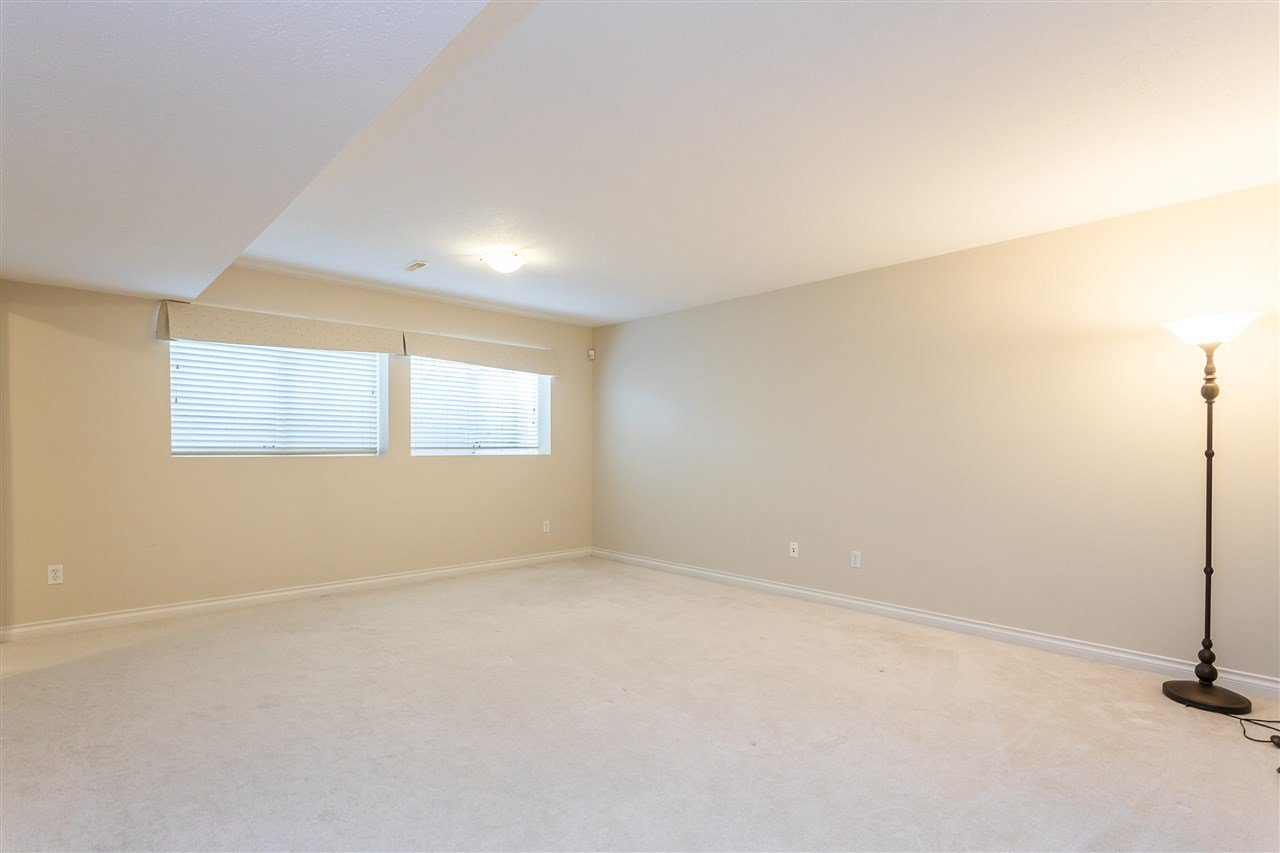 "Photo 17: Photos: 16886 78B Avenue in Surrey: Fleetwood Tynehead House for sale in ""Falcon Ridge Estates"" : MLS®# R2448796"