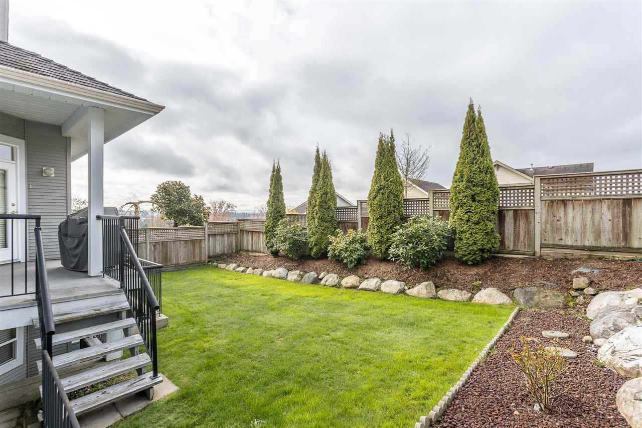 "Photo 2: Photos: 16886 78B Avenue in Surrey: Fleetwood Tynehead House for sale in ""Falcon Ridge Estates"" : MLS®# R2448796"