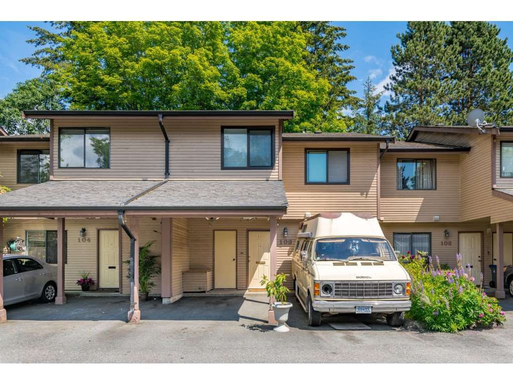 """Main Photo: 103 7349 140 Street in Surrey: East Newton Townhouse for sale in """"Newton Park"""" : MLS®# R2464654"""
