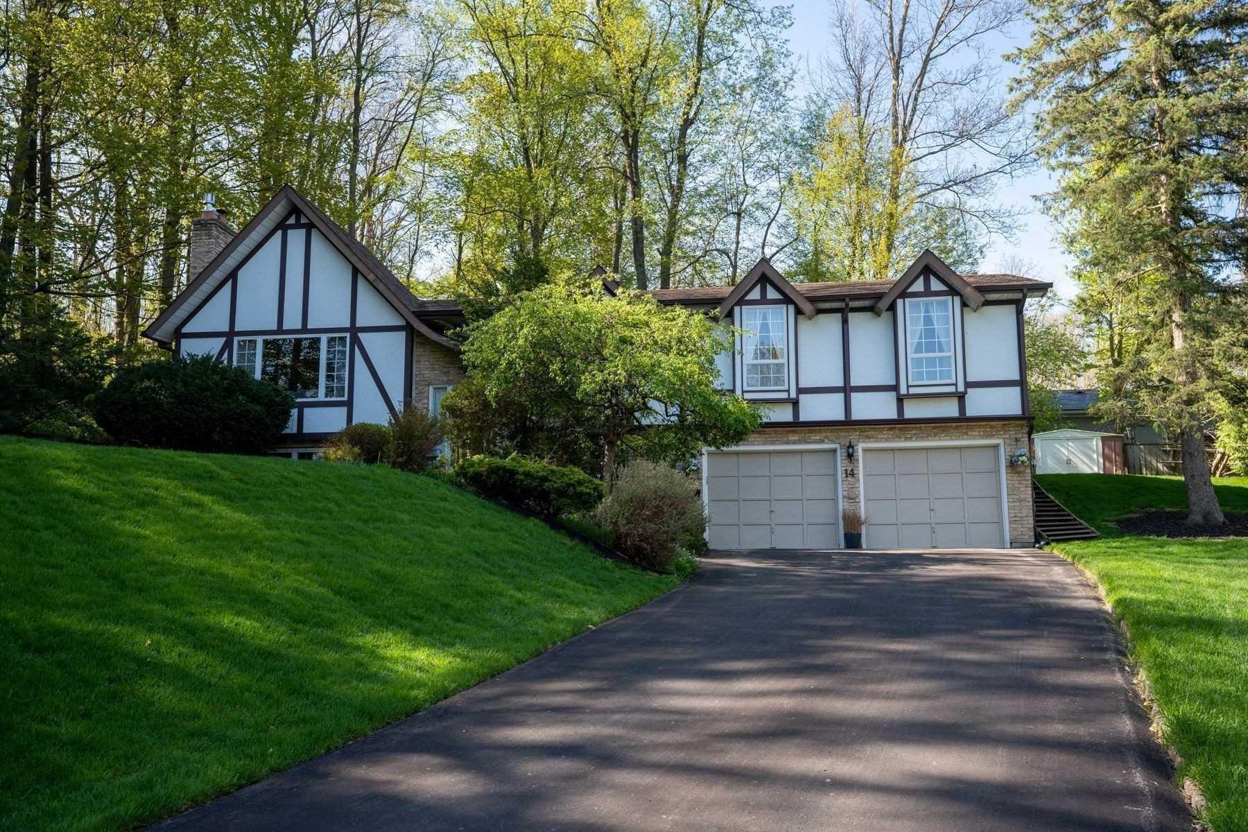 Main Photo: 14 Mullen Place in Halton Hills: Glen Williams House (Bungalow-Raised) for sale : MLS®# W4843358