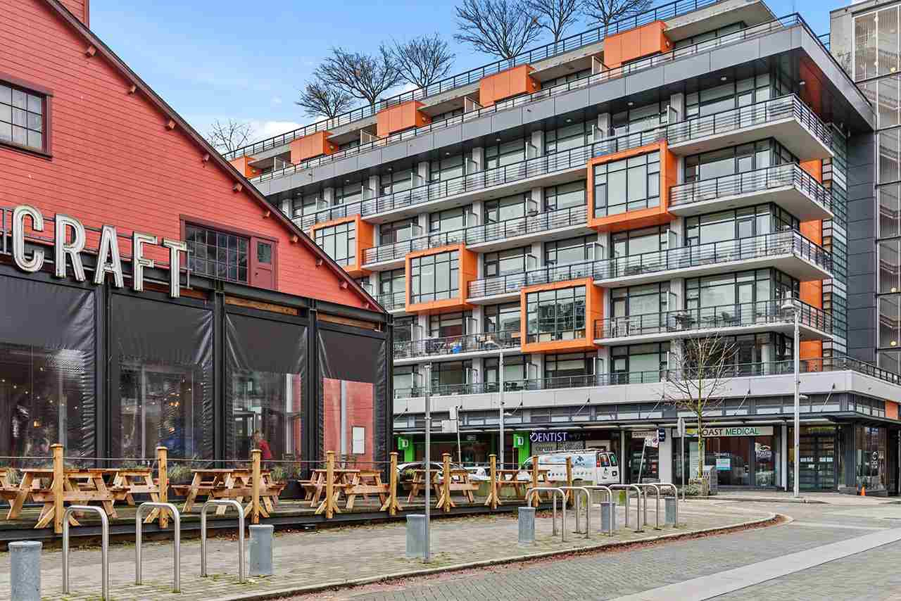 """Main Photo: 509 123 W 1ST Avenue in Vancouver: False Creek Condo for sale in """"COMPASS"""" (Vancouver West)  : MLS®# R2527848"""