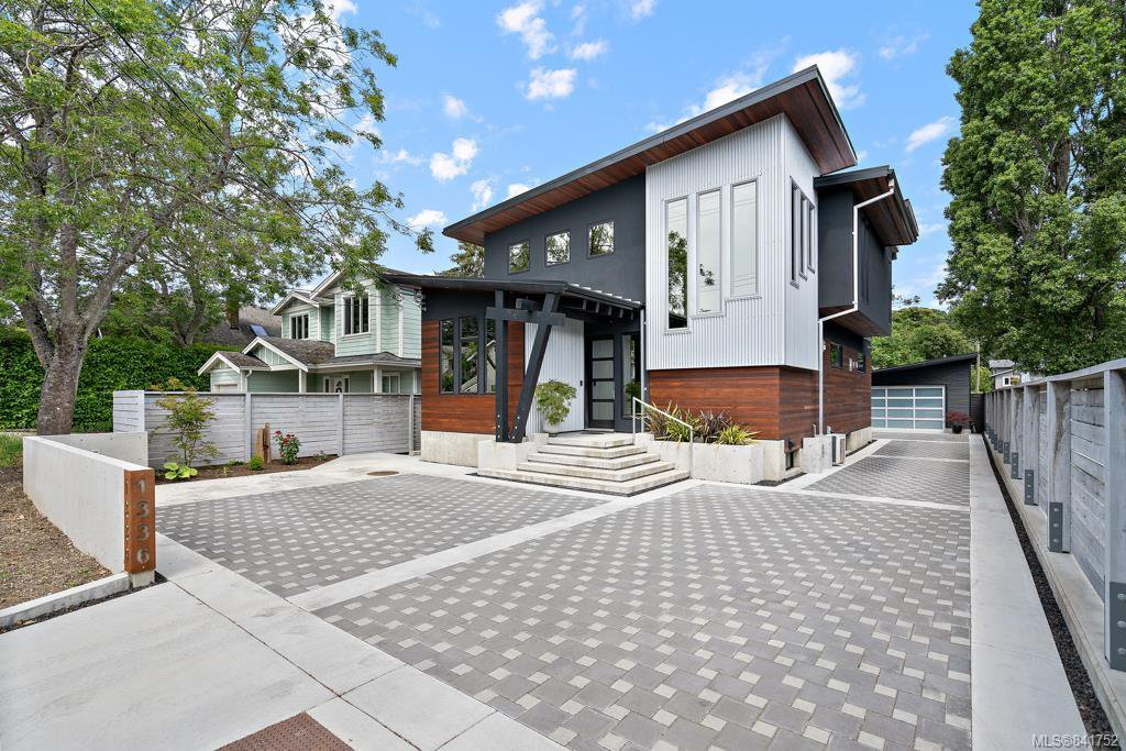 Main Photo: 1336 Finlayson St in Victoria: Vi Mayfair Single Family Detached for sale : MLS®# 841752