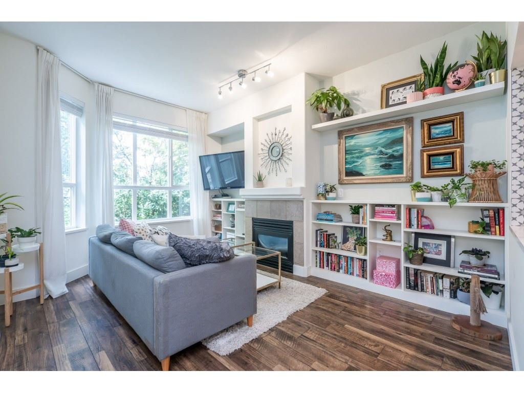 """Main Photo: 123 9979 140 Street in Surrey: Whalley Townhouse for sale in """"Sherwood Green"""" (North Surrey)  : MLS®# R2528699"""