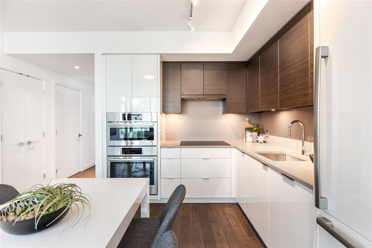 """Main Photo: 605 1688 PULLMAN PORTER Street in Vancouver: Mount Pleasant VE Condo for sale in """"NAVIO AT THE CREEK"""" (Vancouver East)  : MLS®# R2416490"""