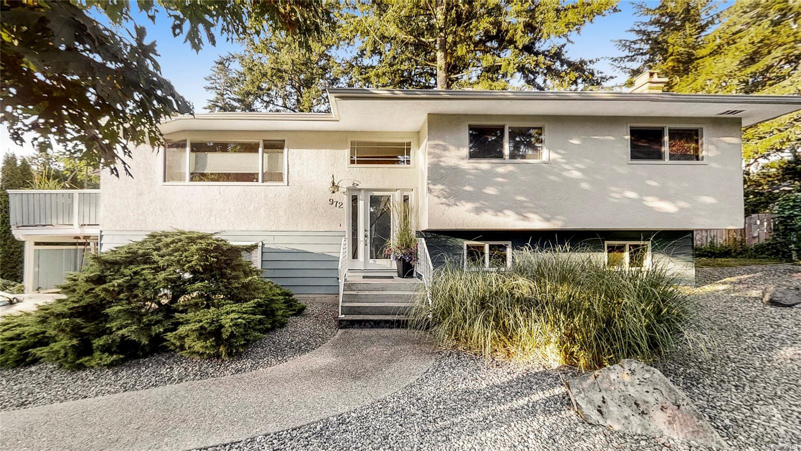 Main Photo: 972 Peggy Anne Cres in : CS Brentwood Bay Single Family Detached for sale (Central Saanich)  : MLS®# 850194