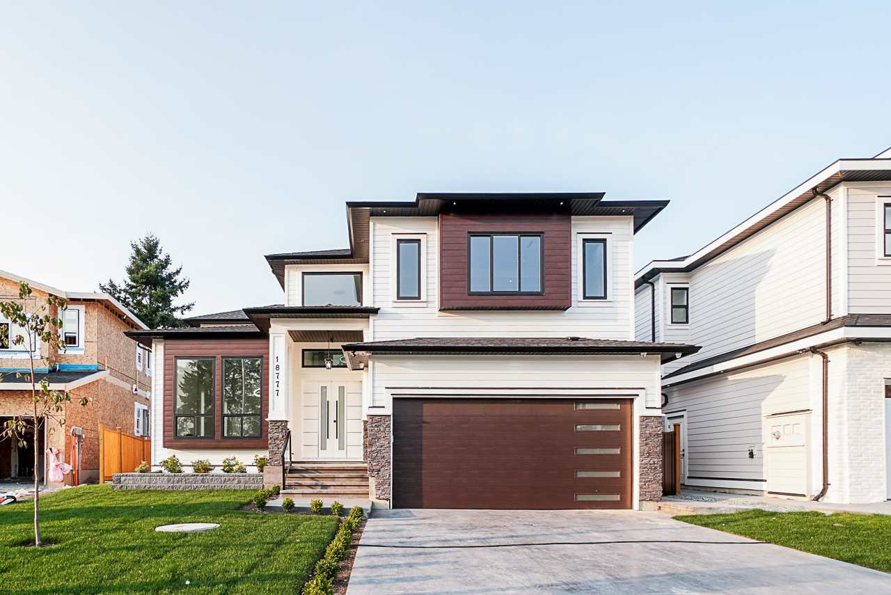 Main Photo: 18777 62A Avenue in Surrey: Cloverdale BC House for sale (Cloverdale)  : MLS®# R2500669