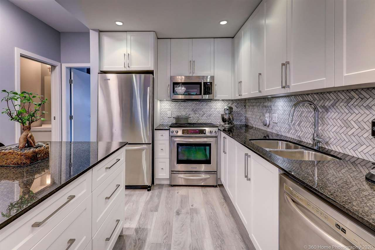"""Main Photo: 22 130 BREW Street in Port Moody: Port Moody Centre Townhouse for sale in """"SUTTER BROOK"""" : MLS®# R2501507"""