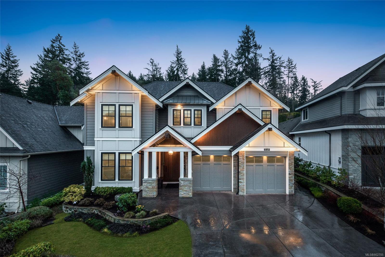 Main Photo: 2149 Champions Way in : La Bear Mountain House for sale (Langford)  : MLS®# 862705