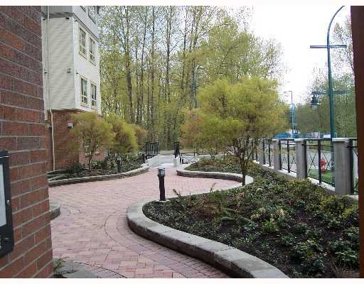 "Photo 7: Photos: 204 2346 MCALLISTER Avenue in Port_Coquitlam: Central Pt Coquitlam Condo for sale in ""THE MAPLES AT CREEKSIDE"" (Port Coquitlam)  : MLS®# V643317"
