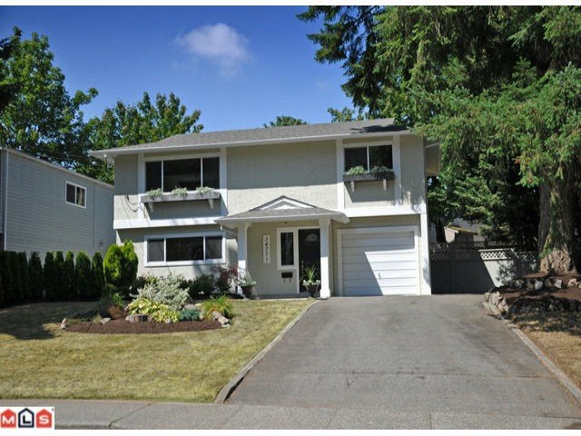 Main Photo: 34771 LABURNUM STREET: House for sale