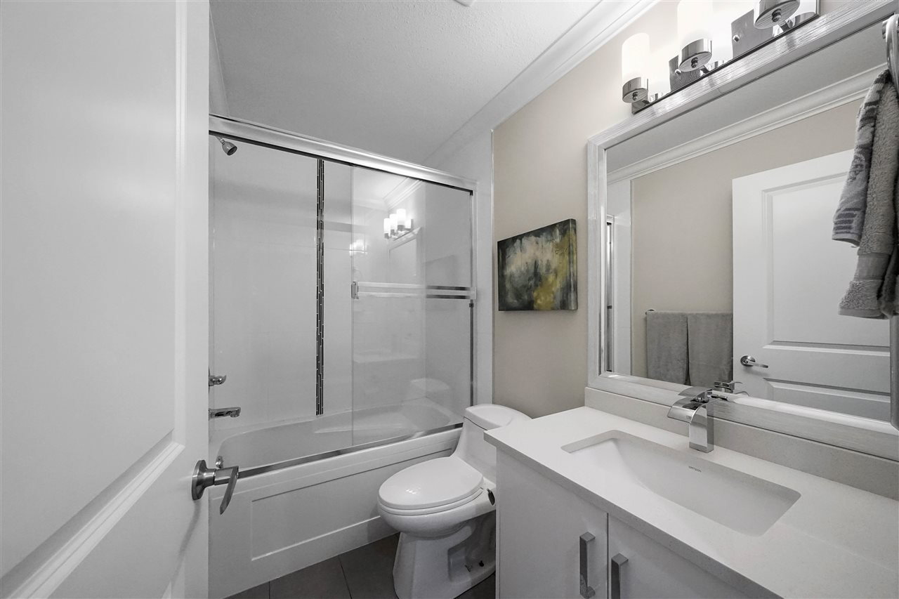"""Photo 12: Photos: 43 19097 64 Avenue in Surrey: Cloverdale BC Townhouse for sale in """"THE HEIGHTS"""" (Cloverdale)  : MLS®# R2391811"""
