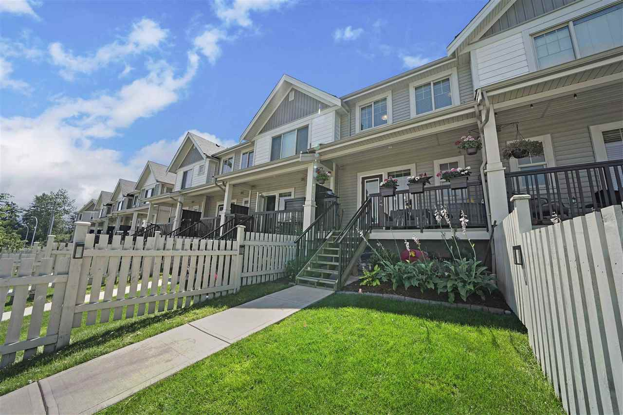 """Photo 19: Photos: 43 19097 64 Avenue in Surrey: Cloverdale BC Townhouse for sale in """"THE HEIGHTS"""" (Cloverdale)  : MLS®# R2391811"""