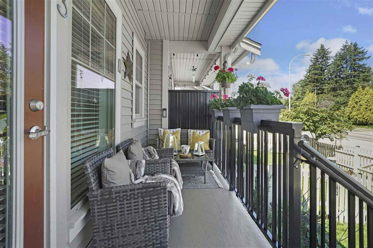 """Photo 18: Photos: 43 19097 64 Avenue in Surrey: Cloverdale BC Townhouse for sale in """"THE HEIGHTS"""" (Cloverdale)  : MLS®# R2391811"""