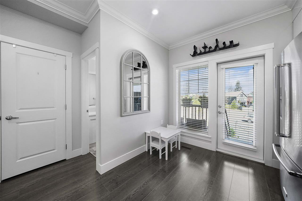 """Photo 3: Photos: 43 19097 64 Avenue in Surrey: Cloverdale BC Townhouse for sale in """"THE HEIGHTS"""" (Cloverdale)  : MLS®# R2391811"""