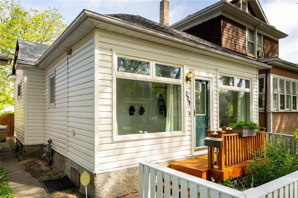 Main Photo: 527 Walker Avenue in Winnipeg: Lord Roberts Residential for sale (1Aw)  : MLS®# 202017350