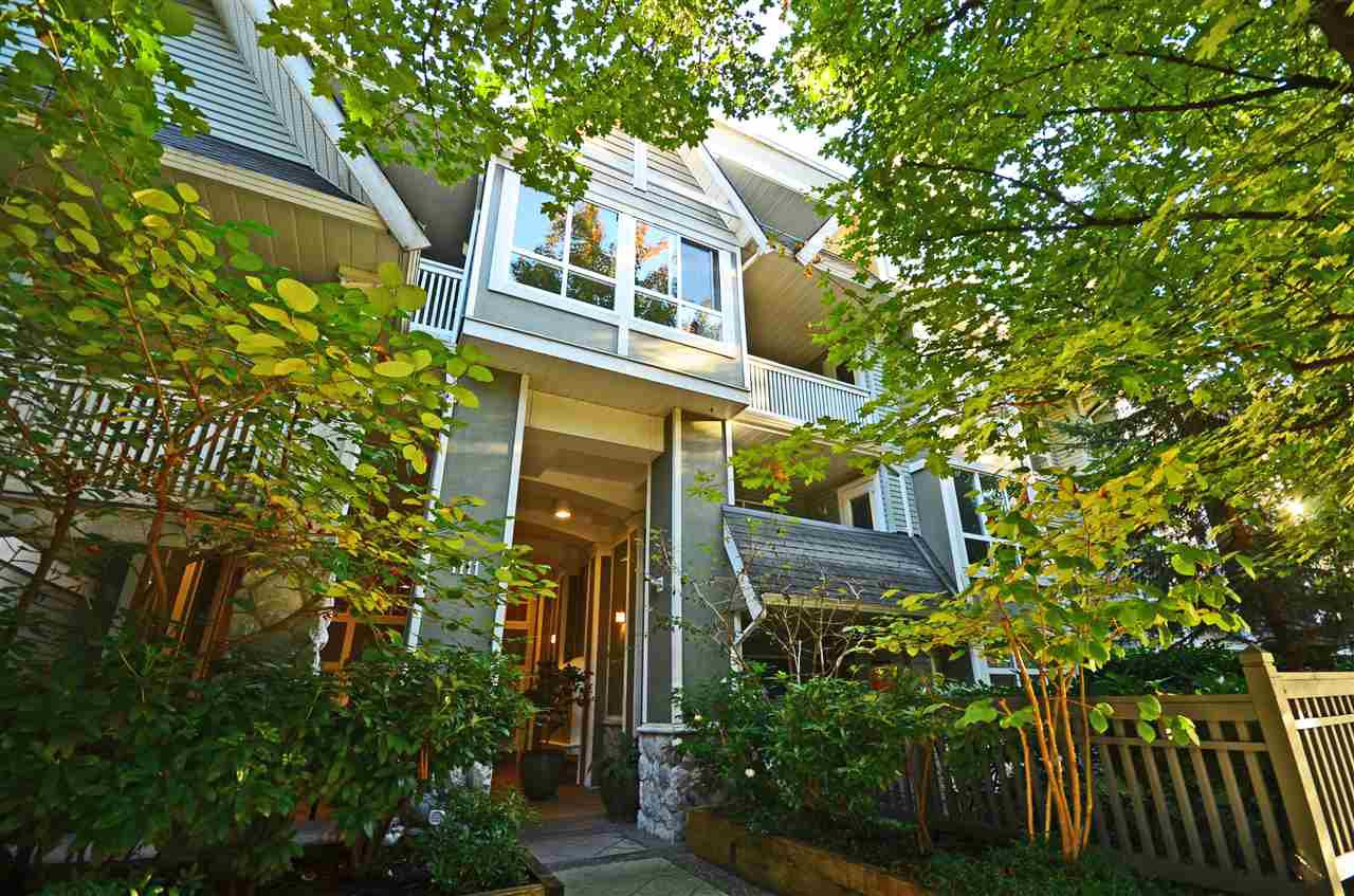 "Main Photo: 201 1111 LYNN VALLEY Road in North Vancouver: Lynn Valley Condo for sale in ""The Dakota"" : MLS®# R2506817"