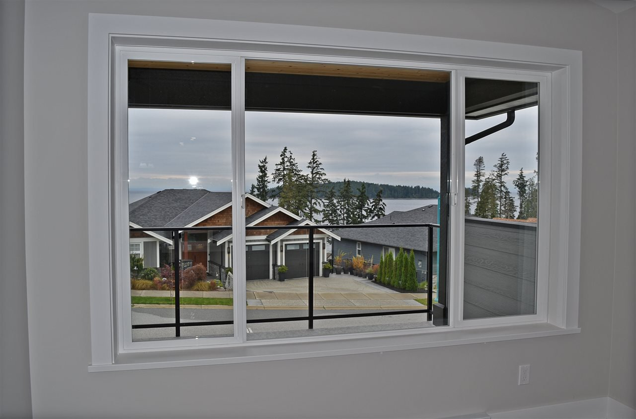 Photo 5: Photos: 5986 BARNACLE Street in Sechelt: Sechelt District House for sale (Sunshine Coast)  : MLS®# R2457005