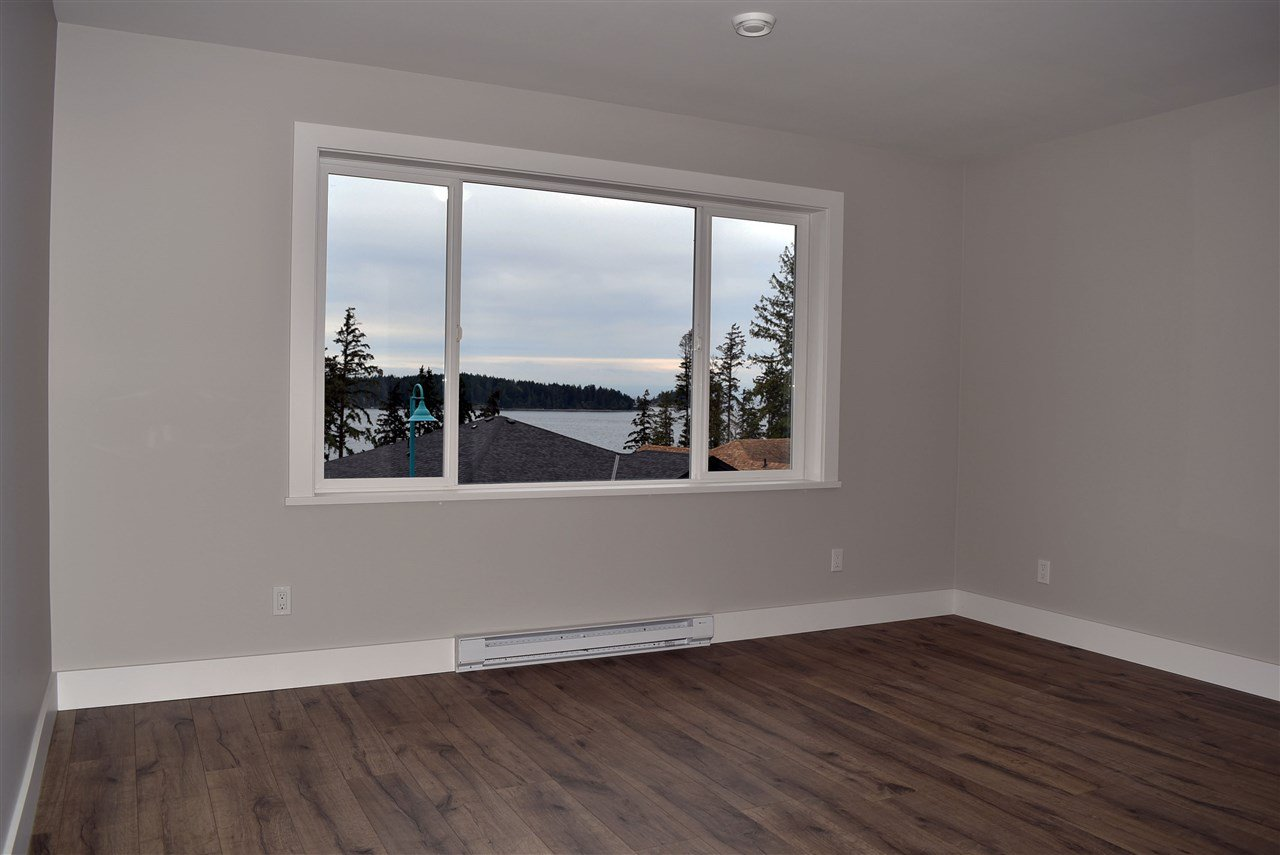 Photo 14: Photos: 5986 BARNACLE Street in Sechelt: Sechelt District House for sale (Sunshine Coast)  : MLS®# R2457005