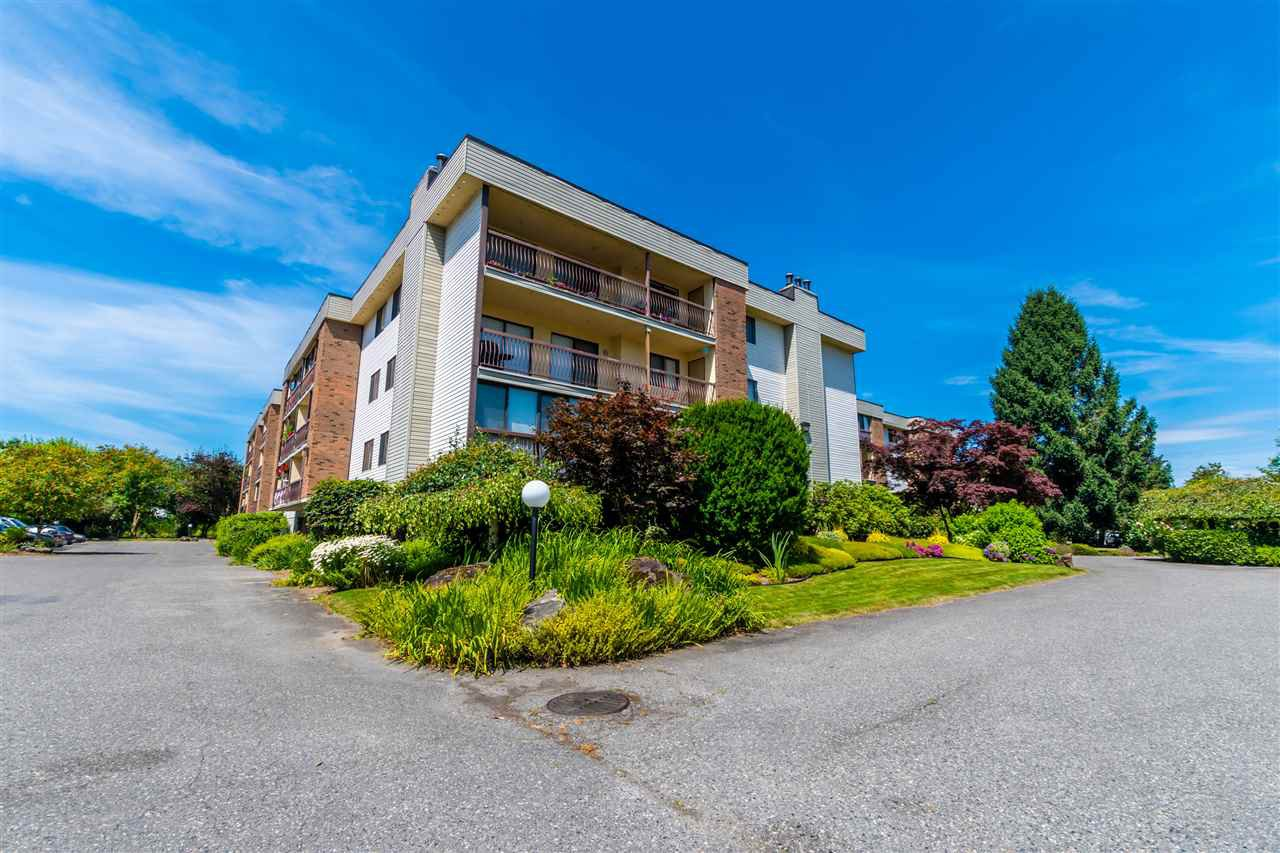 "Main Photo: 1301 45650 MCINTOSH Drive in Chilliwack: Chilliwack W Young-Well Condo for sale in ""PHOENIXDALE 1"" : MLS®# R2508635"