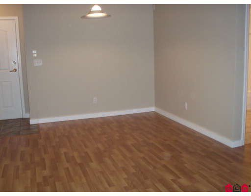 """Photo 5: Photos: 106 8110 120A Street in Surrey: Queen Mary Park Surrey Condo for sale in """"MAIN STREET"""" : MLS®# F2801365"""