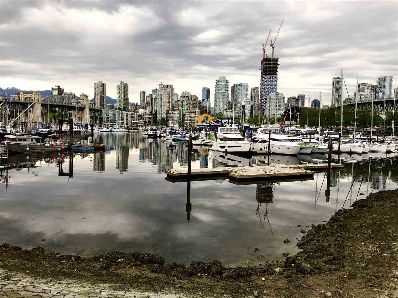 """Main Photo: 501 1508 MARINER Walk in Vancouver: False Creek Condo for sale in """"Mariner Point"""" (Vancouver West)  : MLS®# R2445128"""